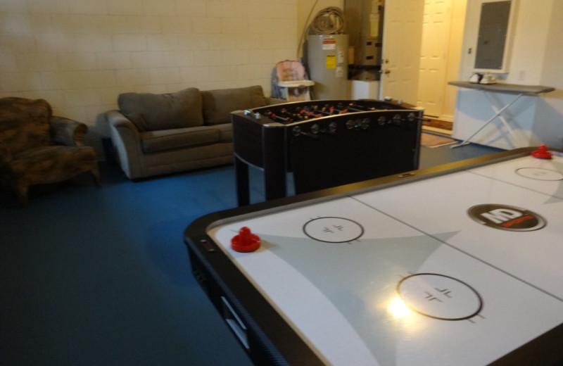 Rental game room at Orlando Sunshine Villas.