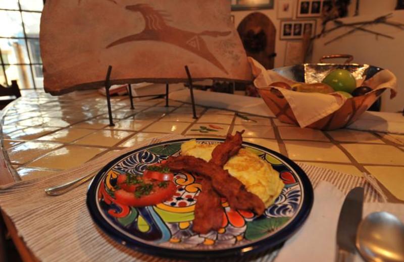 Breakfast at Inn on La Loma Plaza.