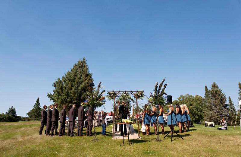 Wedding ceremony at Fair Hills Resort.