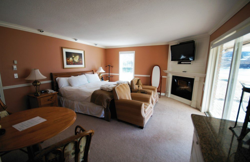Guest Bedroom at South Thompson Inn & Conference Centre - The Manor House