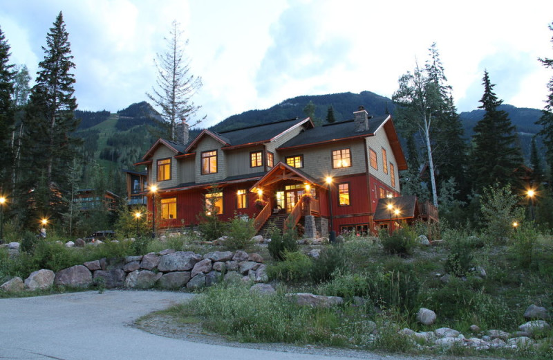 Exterior view of Copper Horse Lodge.