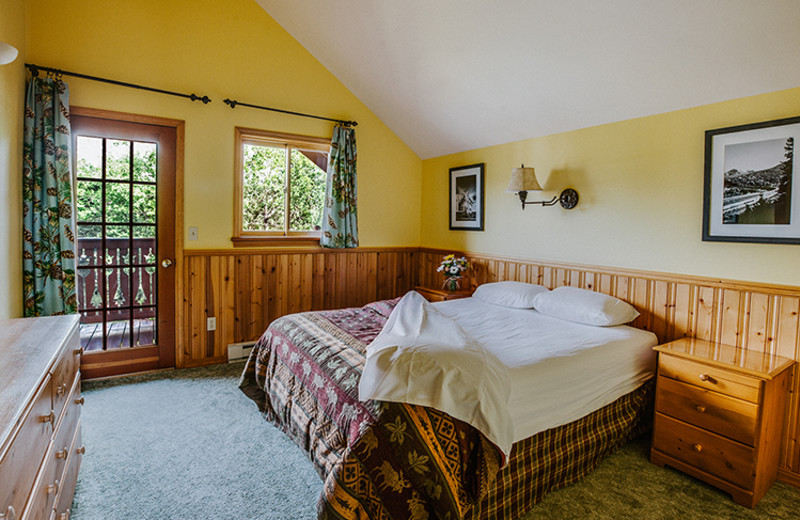 Cabin bedroom at Great Northern Resort.