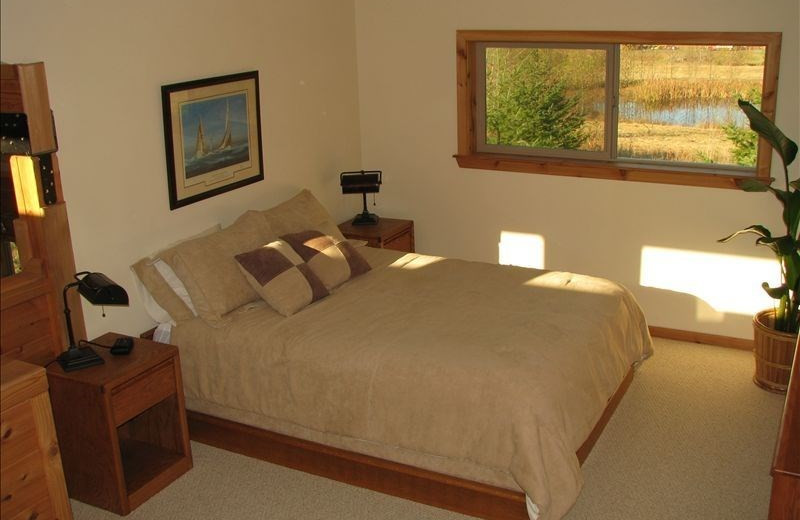 Cabin bedroom at Olympic View Cabins.