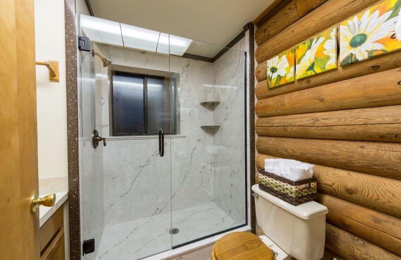 Rental bathroom at Lakeside Resort Properties.