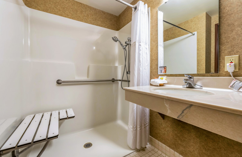 Accessible bathroom at The INN at Gig Harbor.