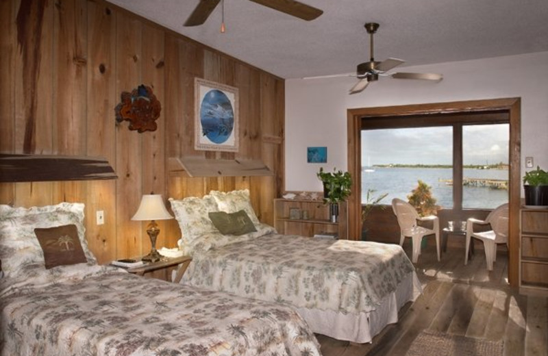 Guest room at Utila Lodge.