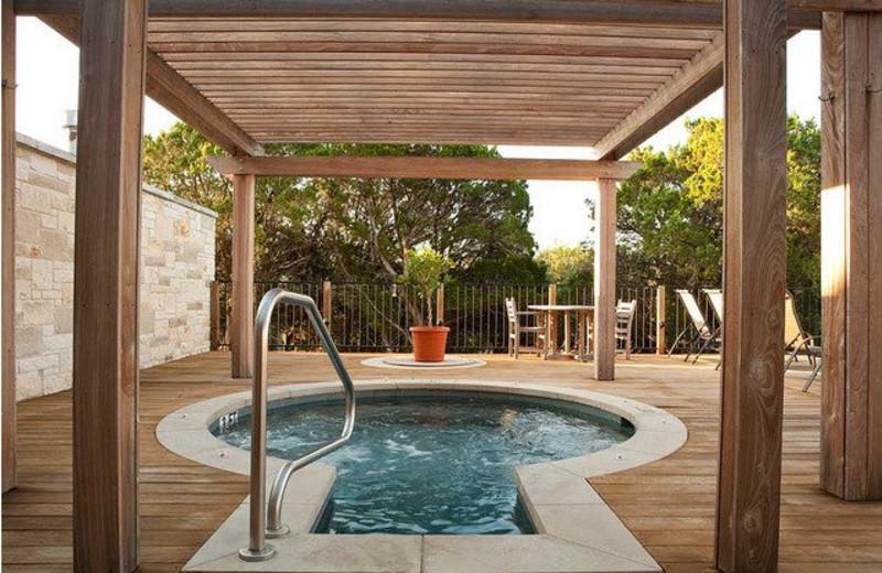 Hot tub at Travaasa Austin.