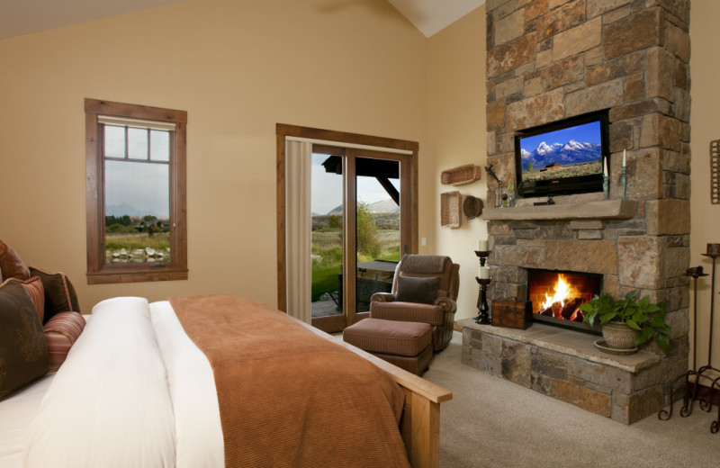Vacation rental bedroom at Cabin and Company.