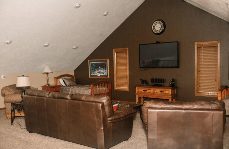 Cottage living room at Granite Springs Lodge.