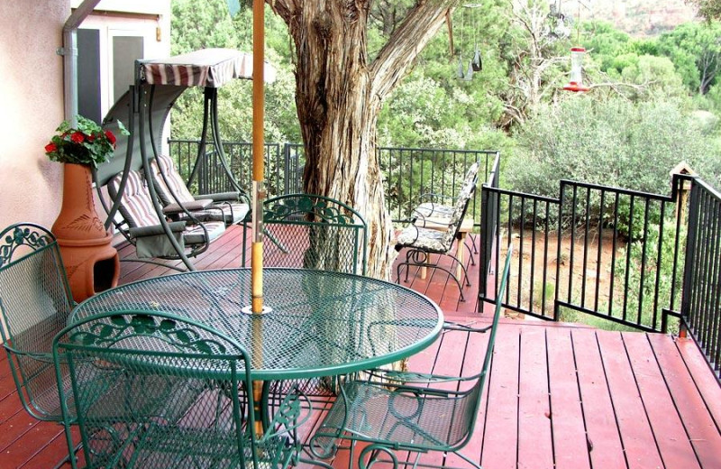Patio at Moestly Wood Bed & Breakfast.