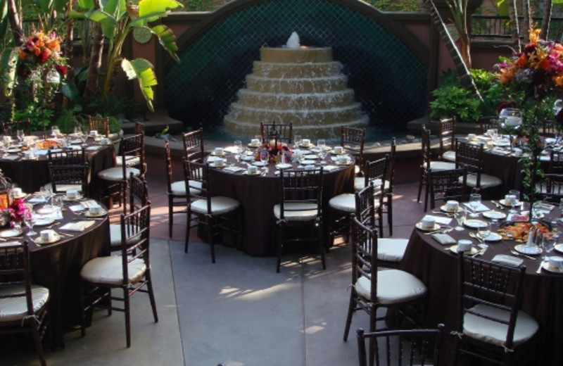 Outdoor dining at Hotel Menage.
