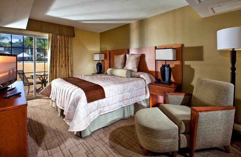 Guest room at Winners Circle Beach and Tennis.