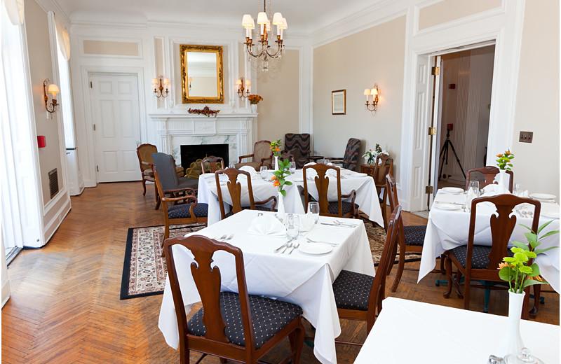 Dining room at The Georgian Inn of Somerset.