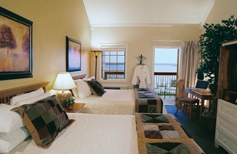 Guest room at White Bluff Resort.