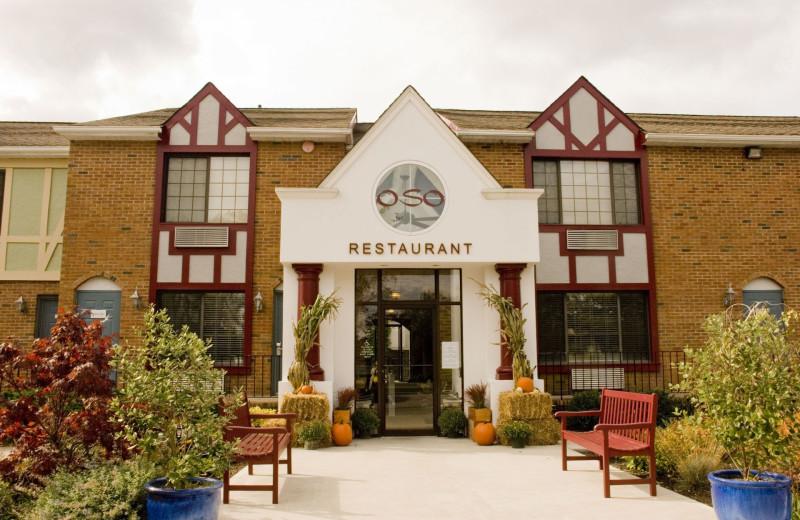 Cafe Oso exterior at Southampton Inn.