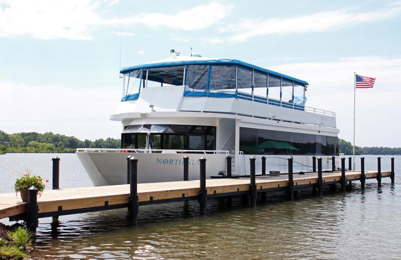 Boat cruise at Grand View Lodge.