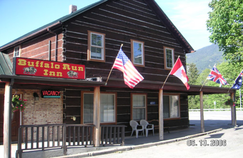 Exterior View of Buffalo Run Inn