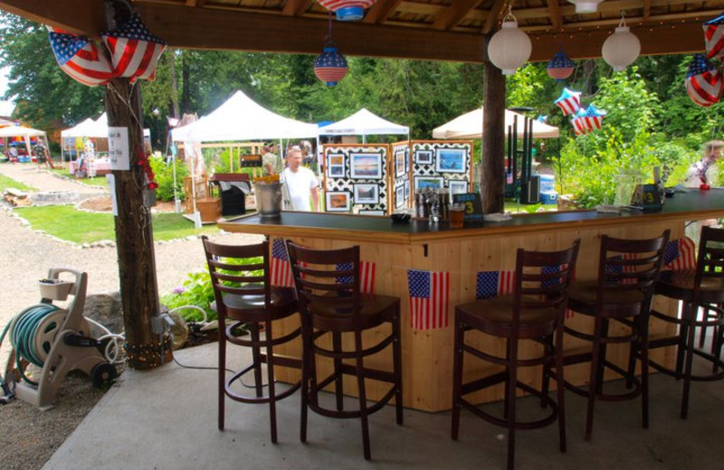 Outside bar at Hood Canal Cottages.