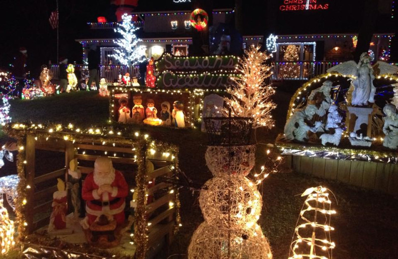 Holiday decorations at Outer Banks Inn.