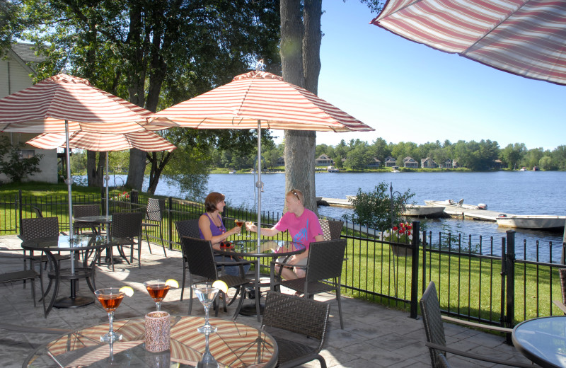 Outdoor Dining at Bayview Wildwood Resort