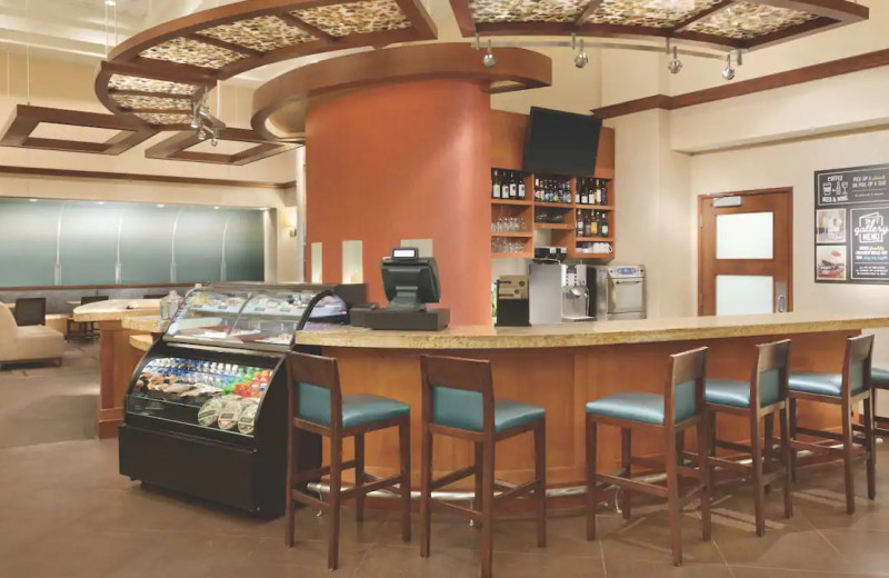 Bar at Hyatt Place Chicago/Lombard/Oak Brook.