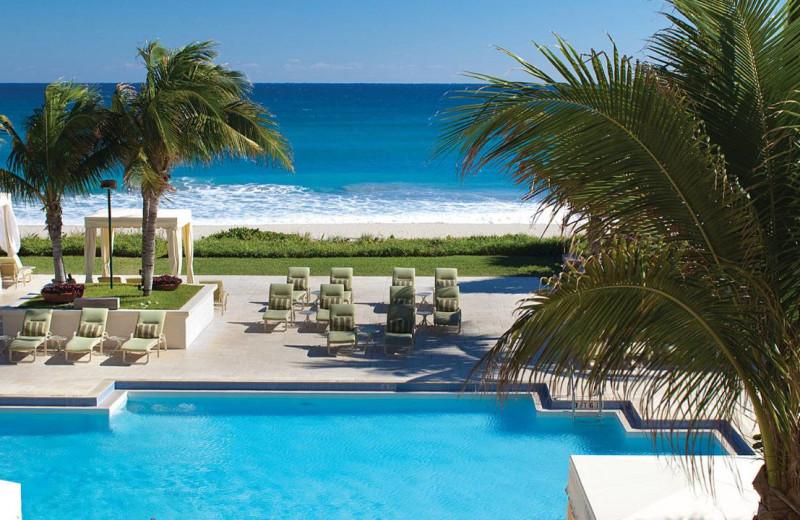 Outdoor pool at Four Seasons Resort - Palm Beach.