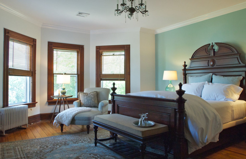 Guest room at Fordham House B & B.