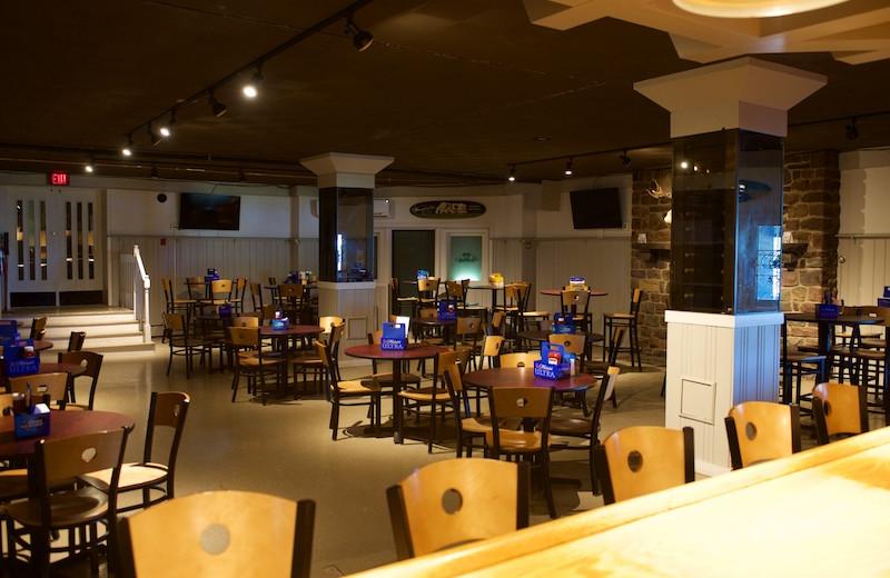 Dining at Split Rock Resort & Golf Club.
