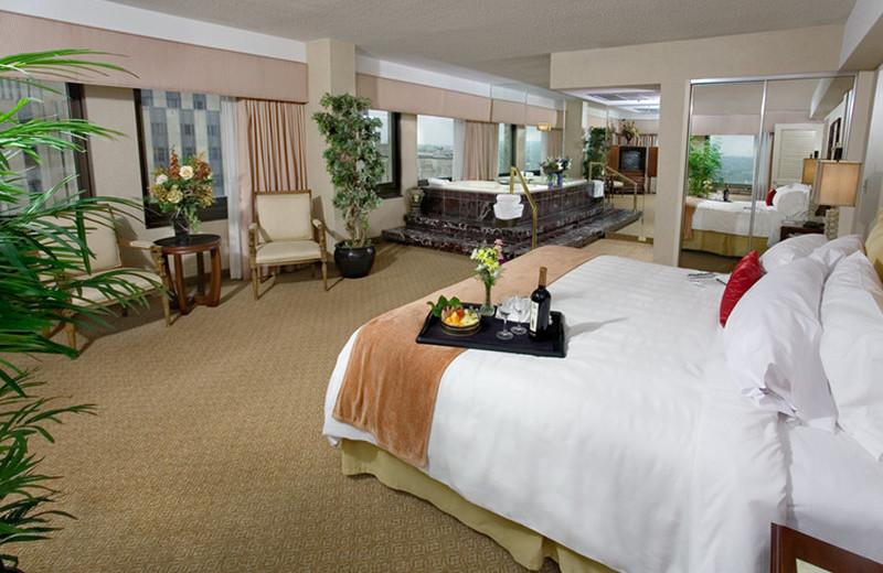 Jacuzzi suite at Crowne Plaza Hotel St. Paul Riverfront.
