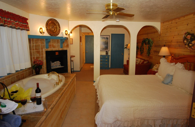 Guest room at Timber Haven Lodge.