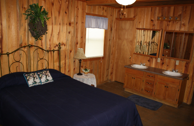 Rabbit Lodge bedroom at Heath Valley Cabins