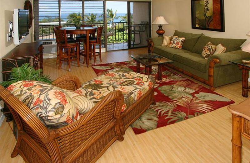 Vacation rental living room at Maui Vacation Rentals.