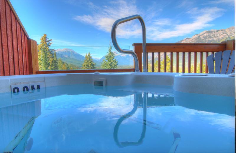 Guest hot tub at Hidden Ridge Resort.
