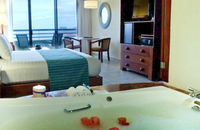 Guest Room at Hola Grand Faro Los Cabos