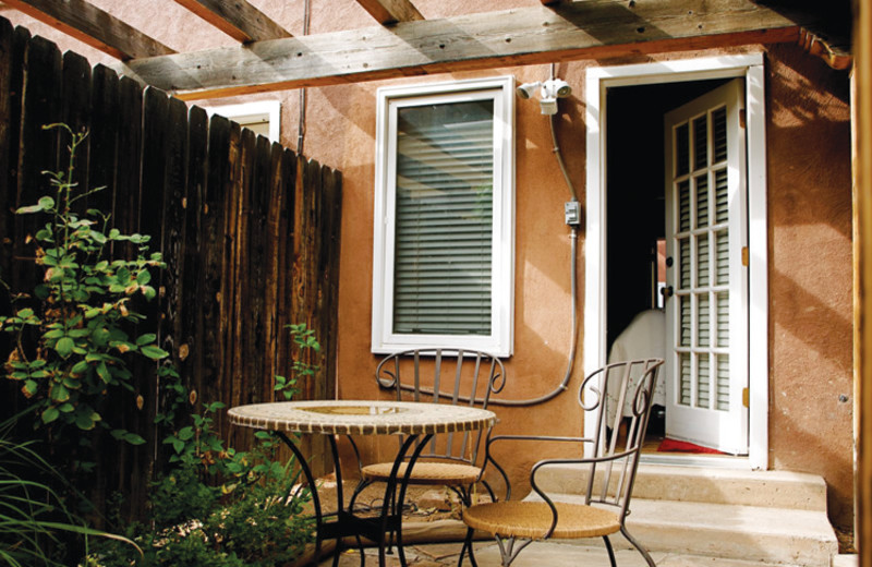 Private courtyard at Sarabande Bed & Breakfast.