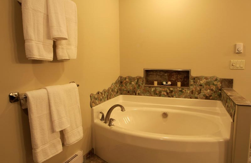 Guest bathroom at Sojourn Lakeside Resort.