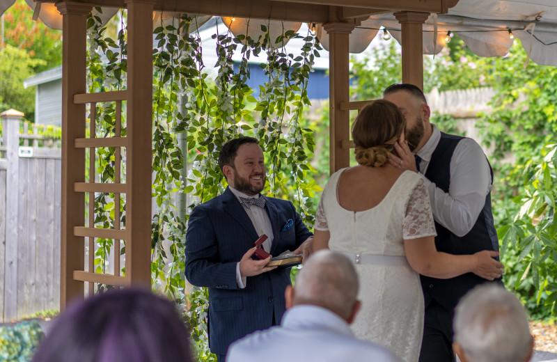 Weddings at Addison Choate.