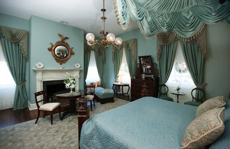 Guest room at Monmouth Plantation.