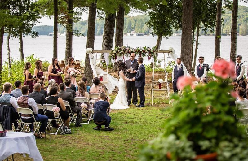 Weddings at Sherwood Inn.