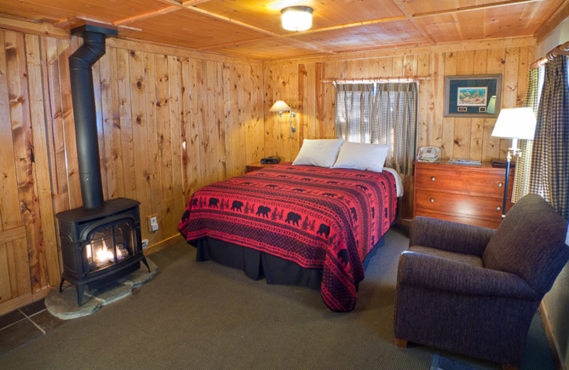 Guest bedroom at Tamarack Lodge.