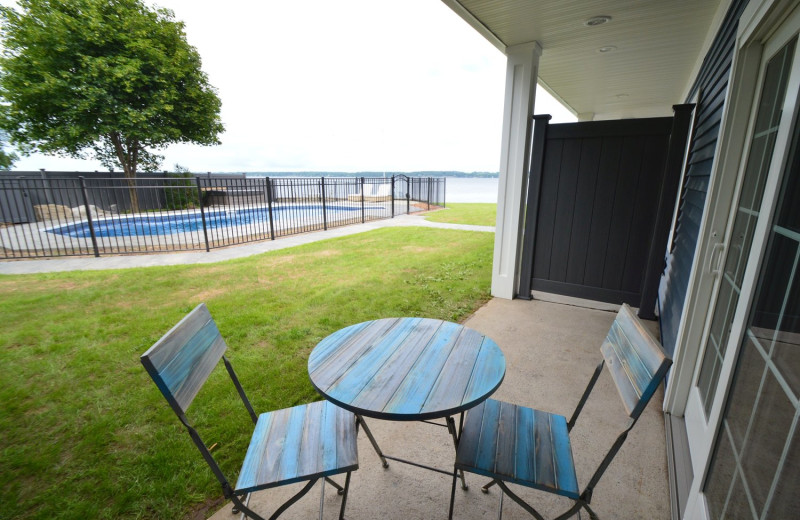 Guest patio at Waters Edge B&B Resort.