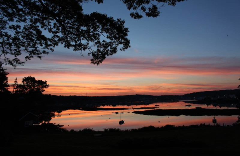 Sunset at Harborfields Waterfront Vacation Cottages.
