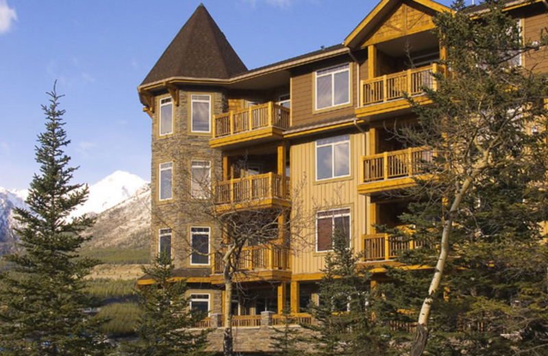 Exterior view of Falcon Crest Lodge.