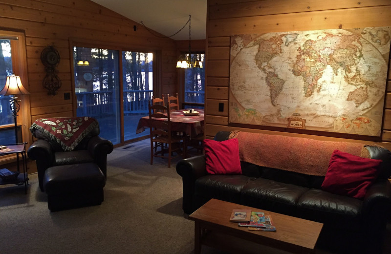Guest living room at Chanticleer Inn.