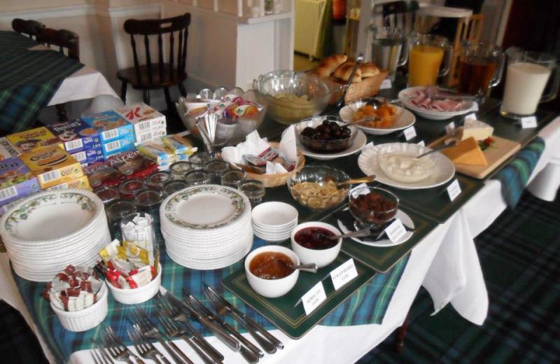 Breakfast at Glenmoriston Arms.