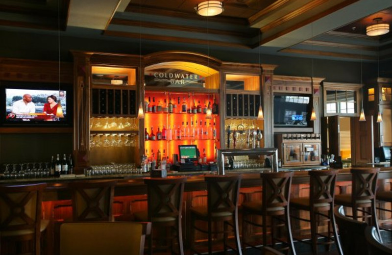 Coldwater Bar at Harbor Hotel
