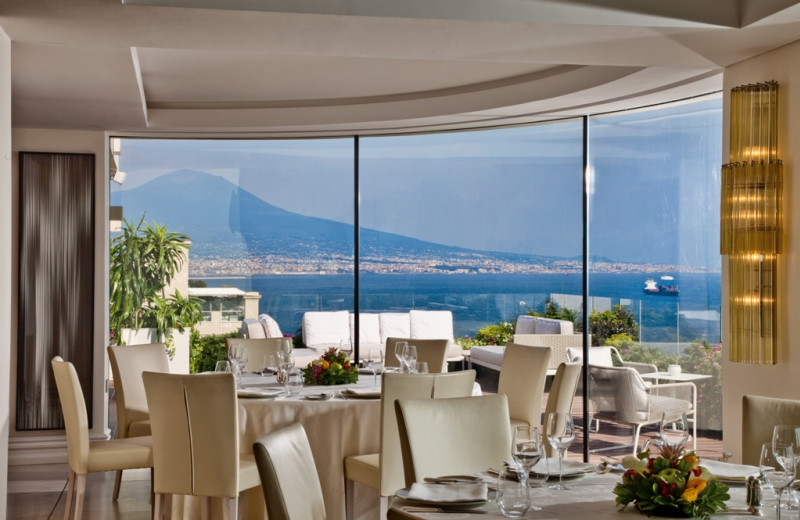 Dining at Grande Albergo Vesuvio.