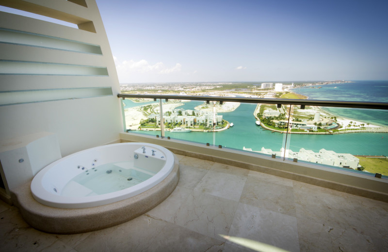 Guest balcony at Novo Cancun.