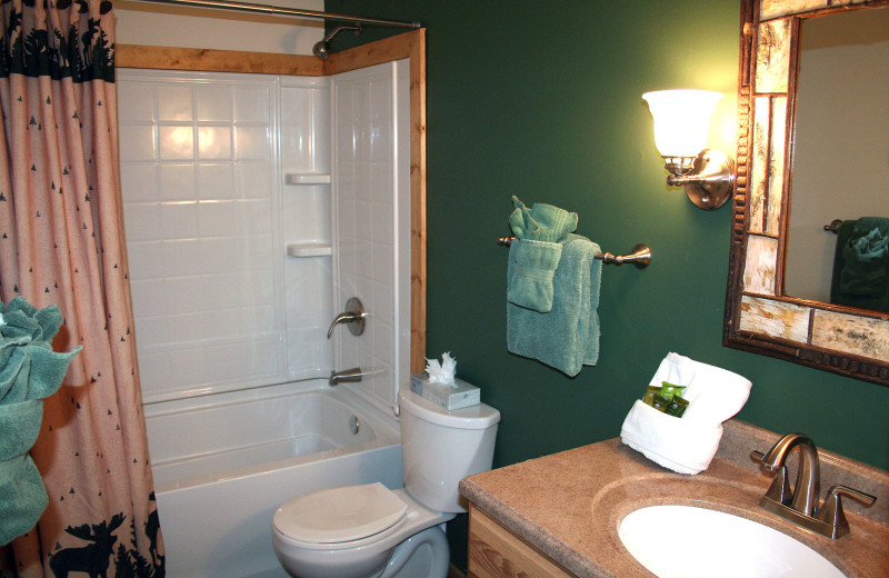 Guest bathroom at Fawn Valley Inn.