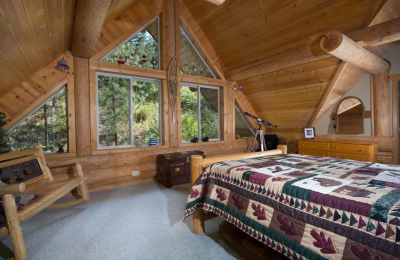 Guest room at Bear Mountain Lodge.